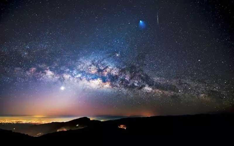 射手座,阳性的火象星座,我行我素,勇敢、果断、独立,其毅力和自信难以击倒。