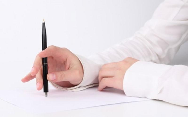 写作文,要给自己充足的构思时间,不要急于动笔。